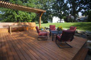 T&G Builders modern deck designs